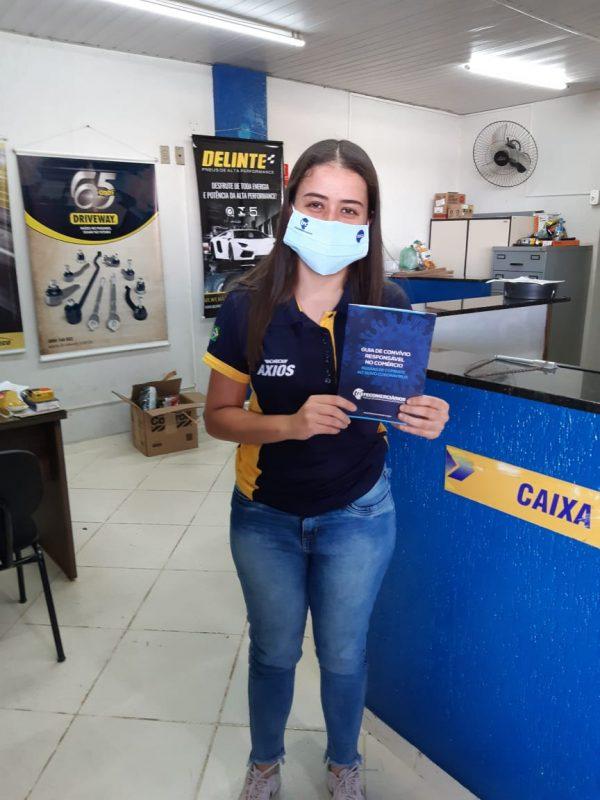 SINDICATO DOS COMERCIÁRIOS DISTRIBUI MÁSCARAS EM POMPÉIA